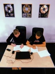 Jan-Rapowanie podpisał kontrakt z SB Maffija Label!