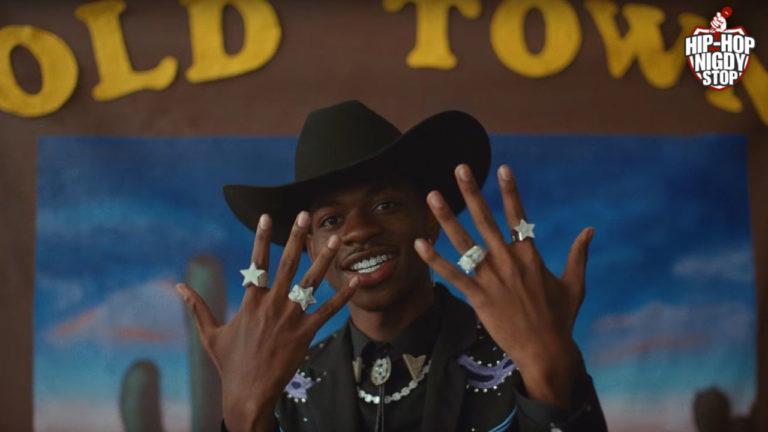 Lil Nas X blokuje 5 topowych artystów przed dostaniem się na szczyt listy Billboard!